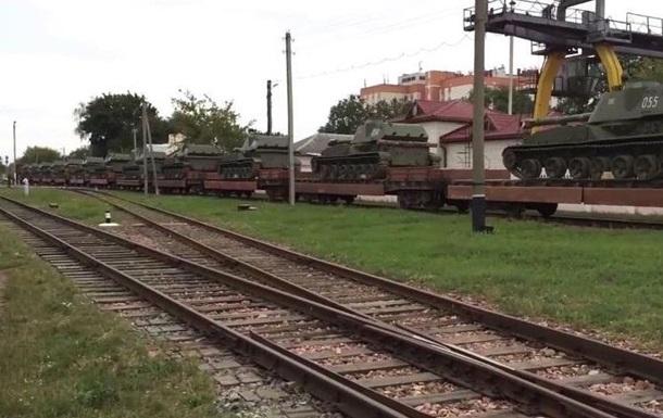 По Бресту провезли большое количество военной техники - соцсети