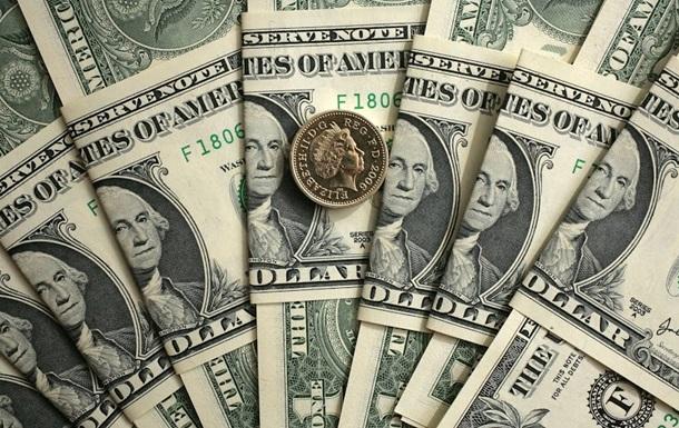 Яценюк прогнозирует курс доллара в 12 гривен