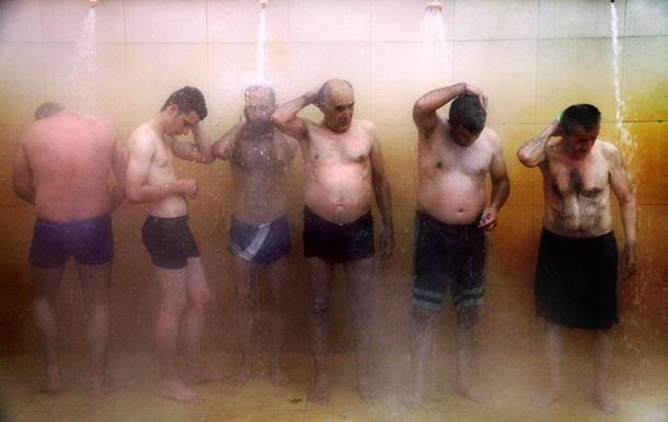 Часть киевлян будут получать горячую воду только по выходным