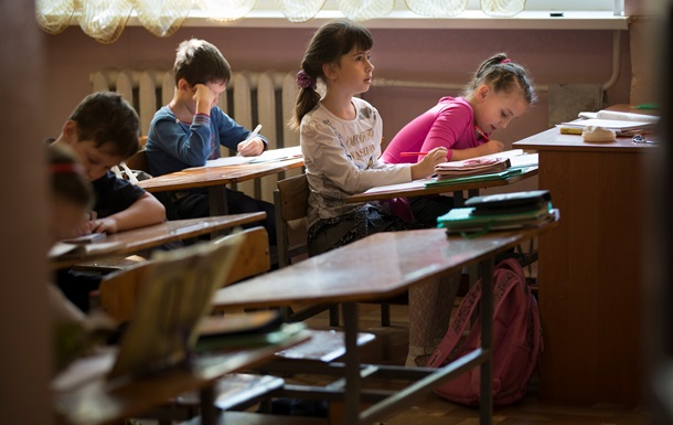 Местным советам разрешили вводить в школах шестидневку по своему усмотрению