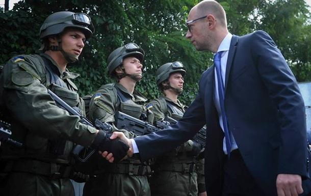 Яценюк поддержал смену руководства оборонных ведомств