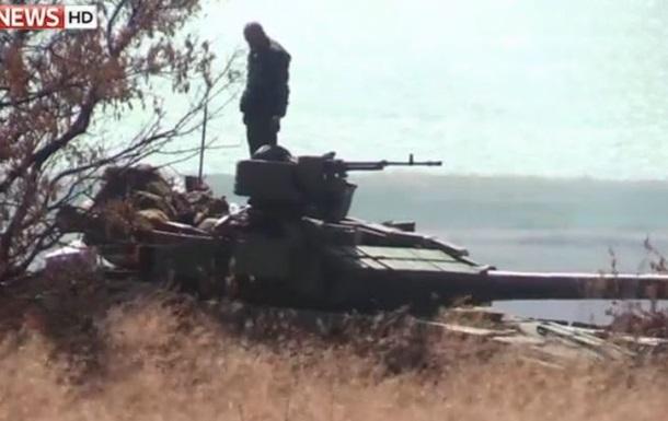 Иностранные журналисты показали видео войск РФ возле Мариуполя