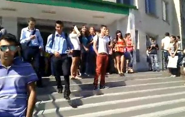 Крымские студенты спели гимн Украины перед спикером Госсовета