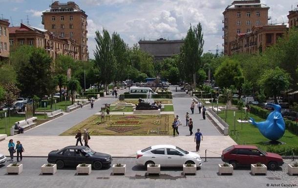 В Армении сократилось число сторонников вступления в Таможенный союз - опрос