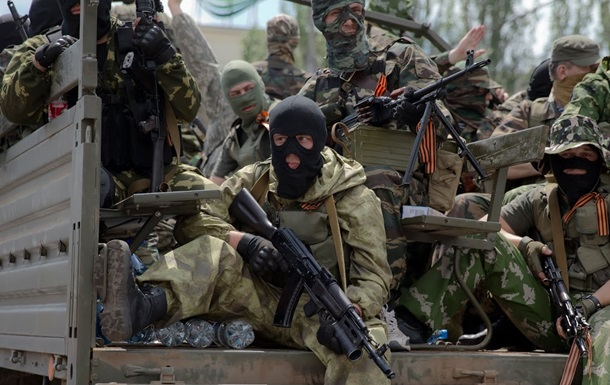 В Донецке вооруженные люди захватили следственное управления областной милиции