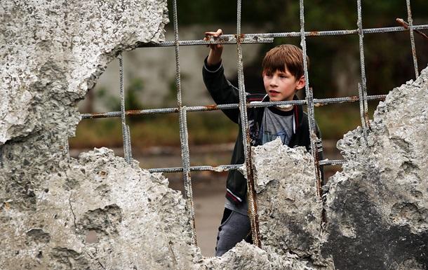 Иловайск после боев: разрушения и очереди за хлебом