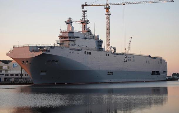 Мистраль вышел в море с экипажем России