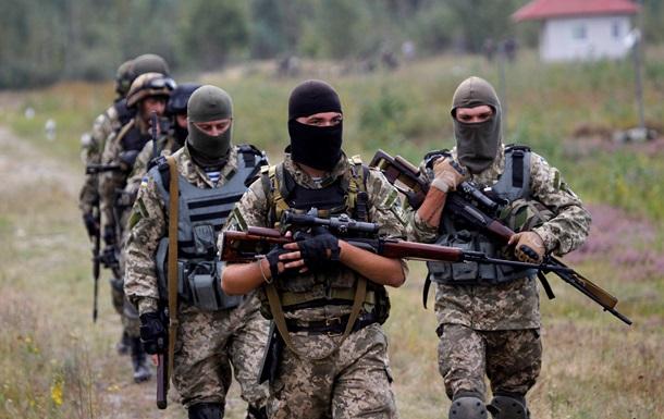 Украинских военных обстреляли возле аэродрома Донецк и Попасной
