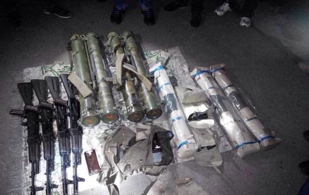 В Мариуполе задержаны диверсанты с арсеналом оружия