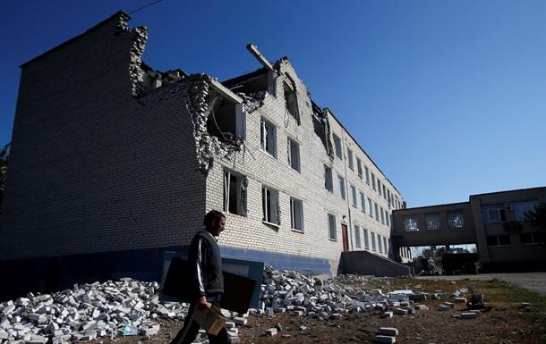 Опубликованы фото разрушенной Новосветловки Луганской области