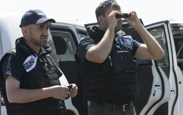 На Донбассе осколками уничтожен бронемобиль ОБСЕ
