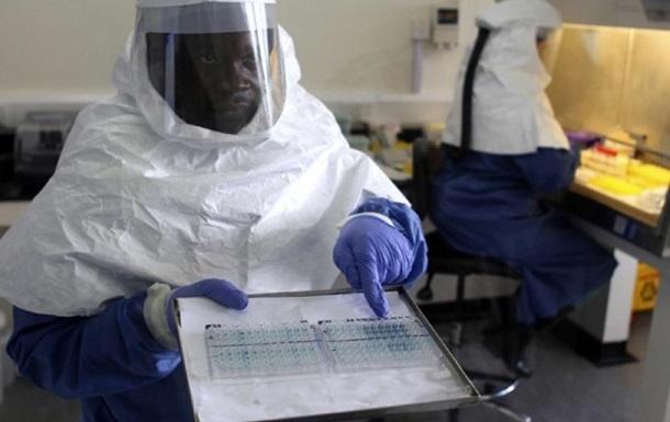 Испытание вакцины от Эбола на добровольцах не выявило побочной реакции
