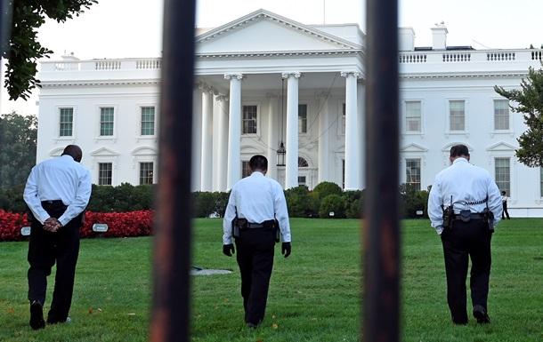 Белый дом взяли под усиленную охрану после попыток проникновения неизвестных