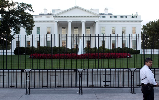 Возле Белого дома в США установили новые ограждения