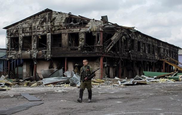 Фото братской могилы в поселке Нижняя Крынка после тяжелых боев. 18+