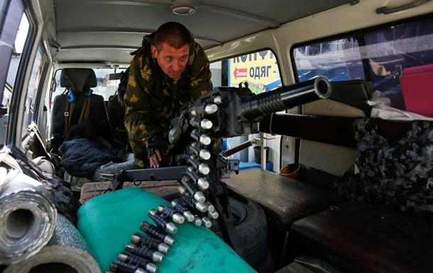 Силовики заявляют, что сепаратисты не отводят вооружение в зоне АТО