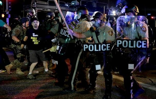 Новая волна беспорядков вспыхнула в американском Фергюсоне