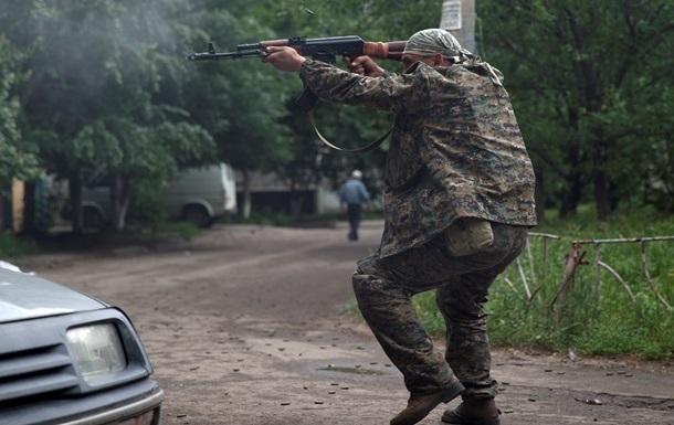 В аэропорту Донецка и на Путиловском мосту идут бои
