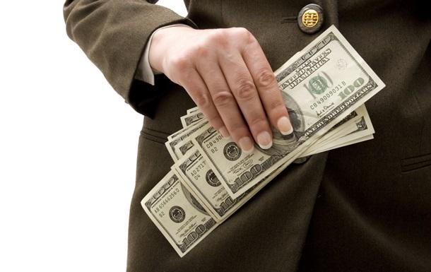 Доллар дешевеет на межбанке