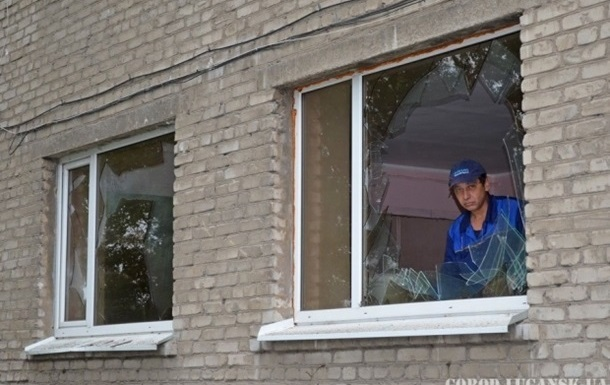 Обстрел Донецка: полностью разрушены четыре жилых дома
