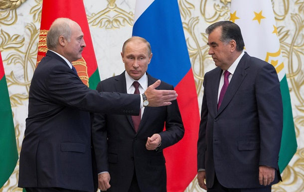 Лукашенко призвал срочно прекратить боевые действия в Украине