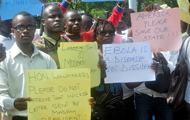 Эпидемия Эболы: медики в Либерии грозят забастовкой