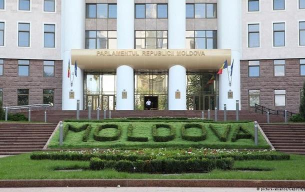 Зеленым человечкам  запрещен въезд в Молдову