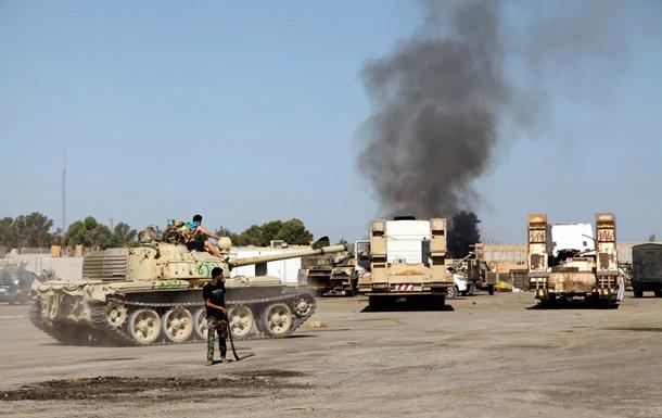 Кризис в Ливии: в столкновениях армии и боевиков погибли 27 человек