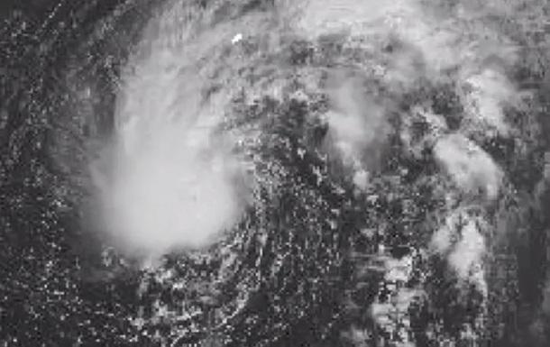 Субтропический шторм Фэй набирает обороты