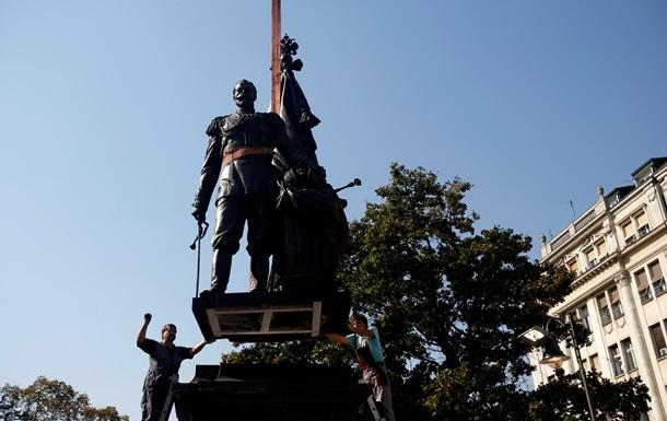Белград готовится к визиту Путина - фото