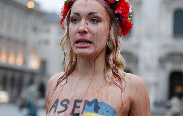 Активистки FEMEN провели акцию против приезда Путина в Милан