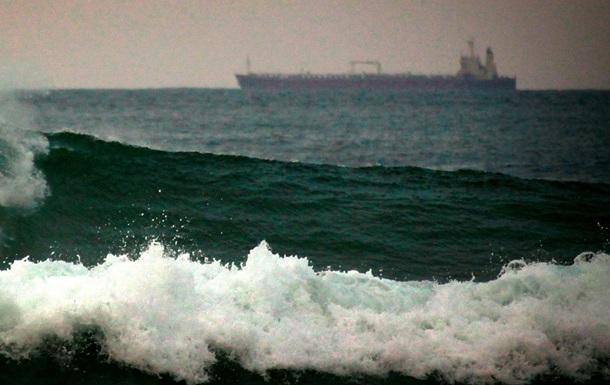 Российский сухогруз терпит бедствие у берегов Канады