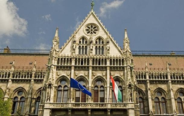Вашингтон запретил въезд в США ряду венгерских чиновников