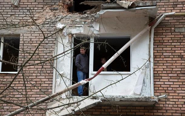 Обстрел Донецка: Снаряд разрушил жилой дом