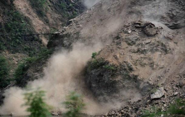Оползень в Шри-Ланке: 100 человек  похоронены заживо