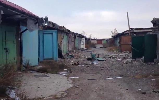 В Донецке в обстрелянном кооперативе разграбили гаражи