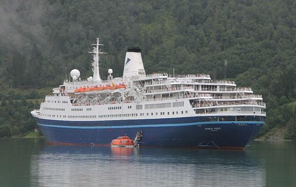 У берегов Норвегии сел на мель британский круизный лайнер
