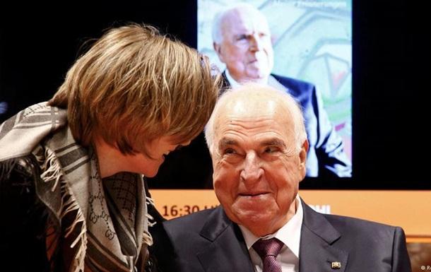 Экс-канцлер Германии Коль раскритиковал Запад за изоляцию России
