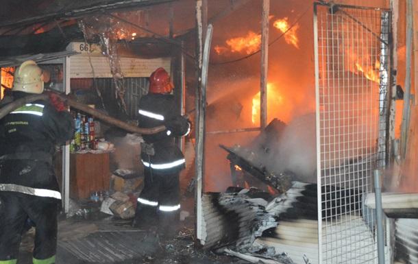 В Черновцах сгорел продуктовый рынок