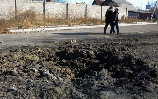 В Луганской области снаряд попал на территорию школы