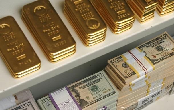 Международные резервы Украины сократились почти на четверть