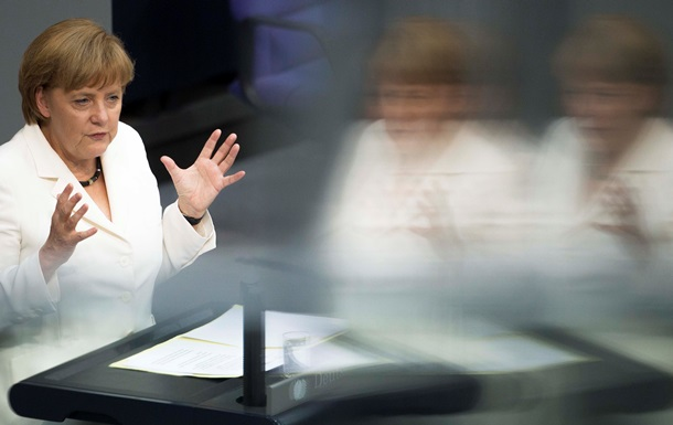 Меркель выразила обеспокоенность сообщениями о российских войсках в Украине