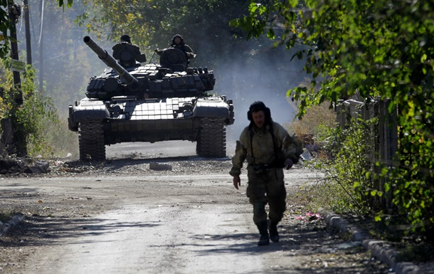 ОБСЕ фиксирует колонны тяжелой техники на территории ДНР