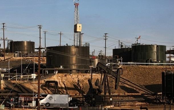 Ціни на нафту знижуються на тлі перенасиченості ринку