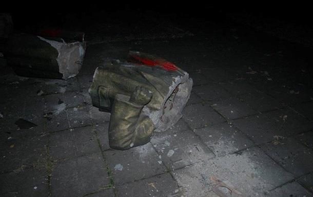 За фактом знесення пам ятника Леніну у Запоріжжі порушено справу