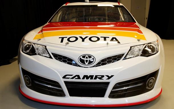 Дефекты в Toyota Camry: компания отзывает 170 тысяч авто по всему миру
