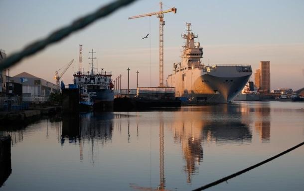 Франция не выходит на контакт с Россией за два дня до передачи Мистраля