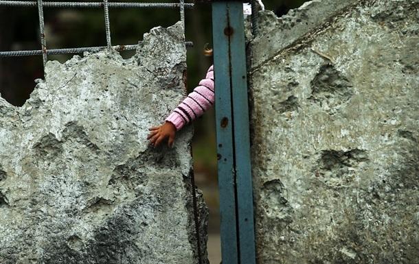 Порошенко приказал эвакуировать заключенных из зоны АТО