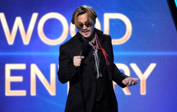 П яний Джонні Депп виступив з  рок-н-рольною  промовою на врученні премії