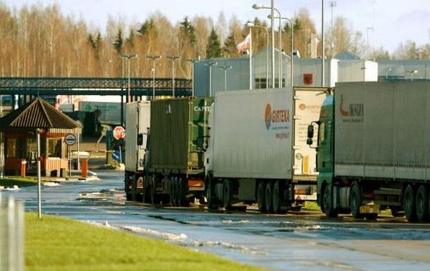 Литовские водители несколько суток не могут попасть в Россию